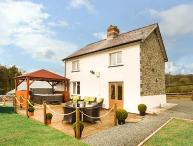 CWMCELYN, family detached farmhouse, luxury accommodation, hot tub, walks from