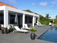 Infinity Pool, Ideal for Couples (equal master suites), Short Drive to Beach & Restaurants,