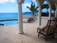 Bahari - Beachfront, Ideal for Couples & Groups, Private Pool, Gated Community