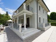 4 bedroom Villa in Camaiore, Tuscany Nw, Tuscany, Italy : ref 2387001