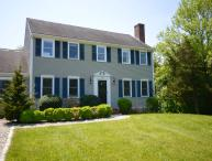 Magnificent Large Colonial, 2 Miles to Beach