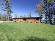 Christie Log Home cottage (#1057)