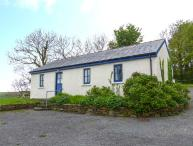 BALLYVOREEN, all ground floor, solid fuel stove, off road parking, in Glandore, Ref 938478