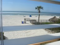 *Summer now OPEN!* Beachfront, Full Views, 2/1, Ktchn, Pool*