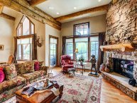 Ski-in/Out Bear Paw Penthouse in Bachelor Gulch, with On-site Pool & Hot Tubs