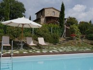 Villa Le Crete, private house with 2 bedrooms. Pool and WiFi in the Val d'Orcia!