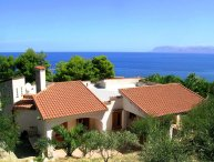 Sicily holiday villa by the sea