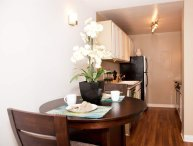 LOVELY FURNISHED 1 BEDROOM 1 BATHROOM APARTMENT