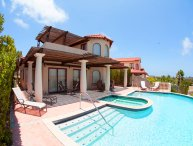 Villa Flamboyant with pool land of the sun