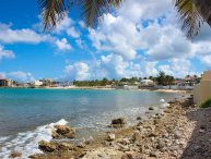 LA CASITA...3BR beach front villa in Beacon Hill, St Maarten