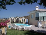 3 bedroom Villa with Pool, WiFi and Walk to Shops - 5697812