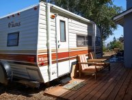 LOVELY, COZY AND VINTAGE TRAVEL TRAILER