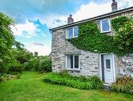 GROES NEWYDD BACH, woodburner, WiFi, pet-friendly, enclosed garden, Harlech, Ref 930206