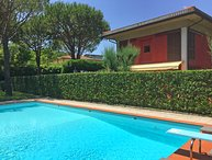 VILLA TORRE 300m from sea, 2 Pools, A/C, free WiFi, BBQ near Forte dei Marmi