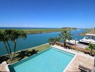 Beautiful 4 Bedroom Villa in Grand Bahama