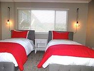 ENTIRELY REFURBISHED ADORABLE 2 BEDROOM 1 BATHROOM APARTMENT