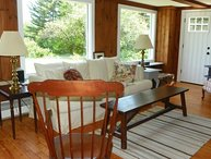 Private, Newly Renovated Cottage with Mountain Views!