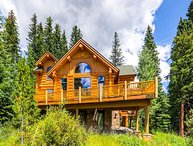 Custom Ski-in & Out Log Home on the 4 O'clock Run; Deck, Hot Tub & Fire Pit