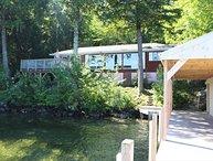 Vintage home Lake Winnipesaukee (CAR32W)