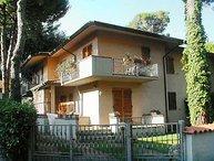 3 bedroom Villa in Marina Pietrasanta, Versilia, Italy : ref 2215321