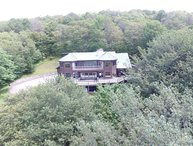 Spruce Lodge - 1465 Mountainside Road