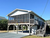 Merri-Mac - Darling Little Cottage, Screened Deck, Near Shops & Restaurants