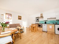 Bright one bedroom apartment located on one of Bayswater's premier roads.
