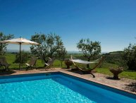 Giunco, private villa at 20 km from Siena. 9 bedrooms, swimming pool, A/C & WiFi