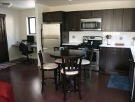Walk to Everything, Clean and Modern! Just Minutes to Downtown!