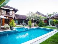 Flora 3BR Big Pool Villa, Seminyak