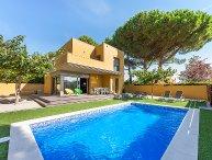 3 bedroom Villa in L'Escala, Costa Brava, Spain : ref 2242309