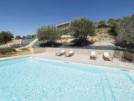 Serenitŕ vacation holiday villa rental, apartment rental italy, sicily, noto, near syracuse, near beach, pool, wi-fi, air conditi