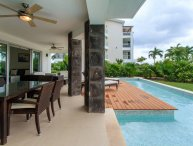 Spacious 2bdr condo at Mareazul! ground floor, splash pool, jacuzzi, garden view