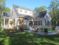 Beautiful New Oak Bluffs Home