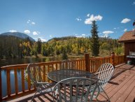 Bootlegger Lodge - 26 acres of private land, on private lake!