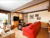 2 Bedroom plus Den (convertible into bedroom) - Steps from the lifts and restaurants and bars (2913)