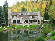 Premier Ski-in/out location on Fanny Hill - Large Executive Home in Private Location (2964)