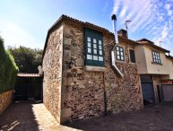 """Lovely stone house on """"the way of St. James of Compostela"""""""