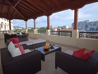 CARIBBEAN PEARL - s in a perfect location within the exciting Porto Cupecoy Marina Resort.