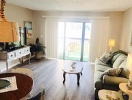 WALK 2 PIER PARK POLY 222 UPDATED UNIT!