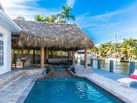 Luxury Waterfront Vacation home Villa Riverside!