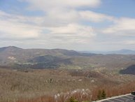 2BR Condo, 1 King Suite, Long Range Views, Free Shuttle to Slopes, Minutes from