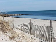DOG FRIENDLY BEACH GET-AWAY!! SMELL the SALT AIR! 132600