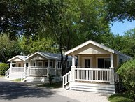 1 Bedroom Cottage in Austin Lone Star Resort Near Downtown Austin