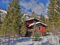 Ski Home To Your Back Door - Beautiful 3-Level Private Home (3498)