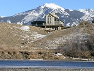 Great home located on the Yellowstone River!