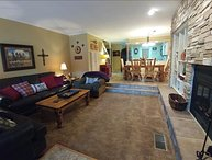 Claim Jumper Townhouse #9 - Ski In/Out, On the River, Next to Pond, WiFi, King Beds, Pets Considered
