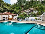 Just Steps to Sand & Surf - 3 BR House in Garden Estate - Pool, Private Patio