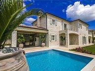 4 bedroom Villa in Kanfanar, Istria, Croatia : ref 2372953