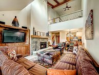 Ski-in/out Kiva at Beaver Creek, Wood Fireplace, Pool, Hot Tub, Fire Pit
